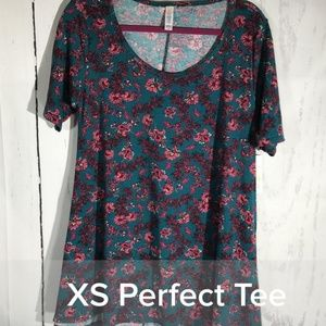 NWT XS LuLaRoe Perfect T